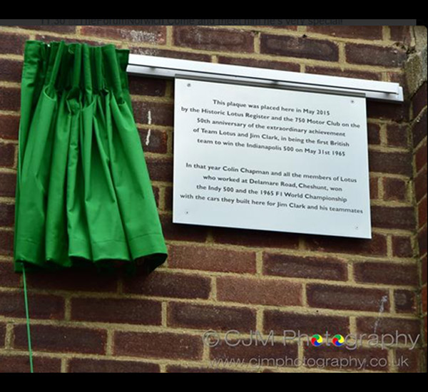 Plaque unveiled at Cheshunt